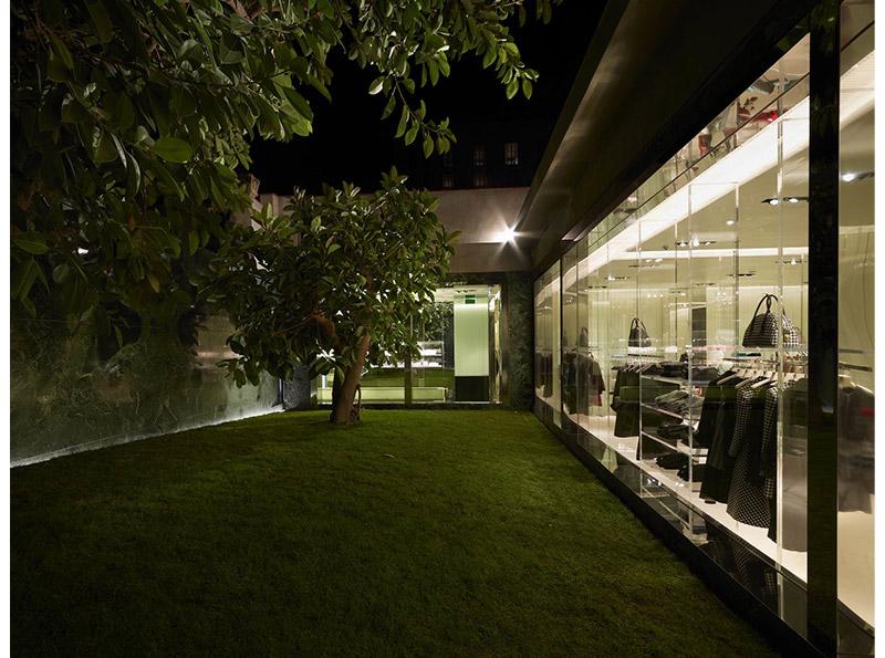 prada_barcelona_store_fy5