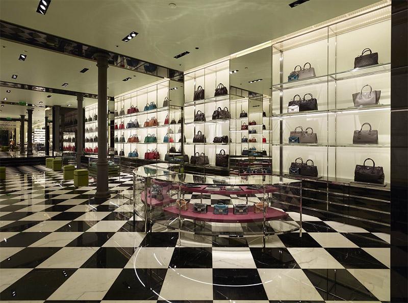prada_barcelona_store_fy8
