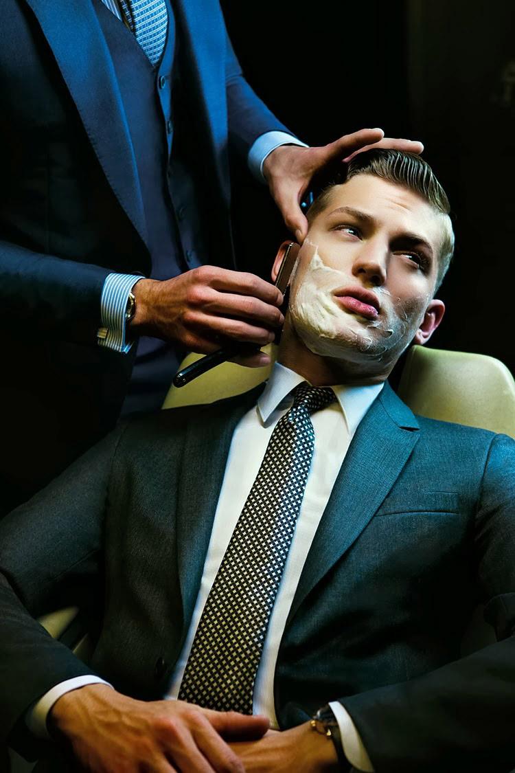 Sulla-sedia-del-barbiere_fy1