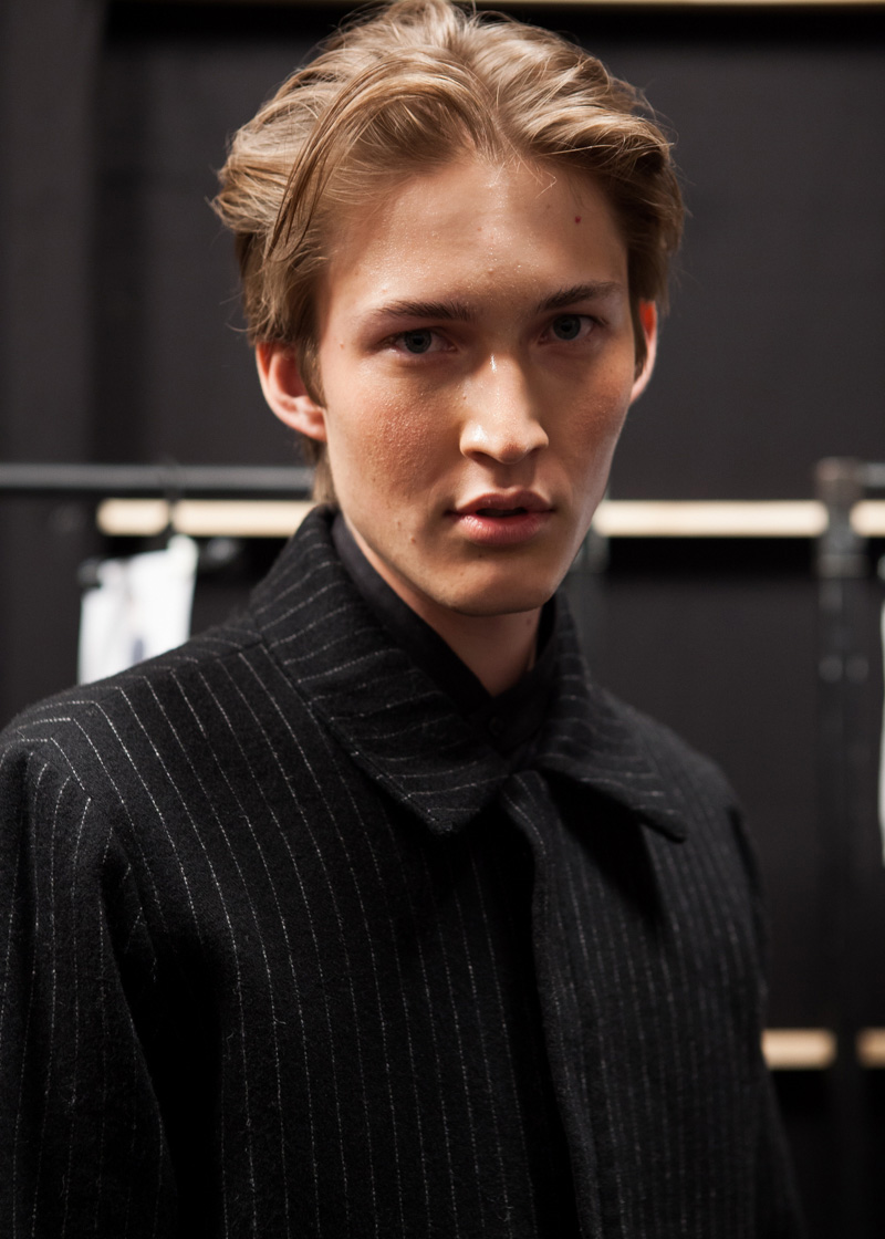 Song-for-the-Mute-SS14-15-Backstage_fy7