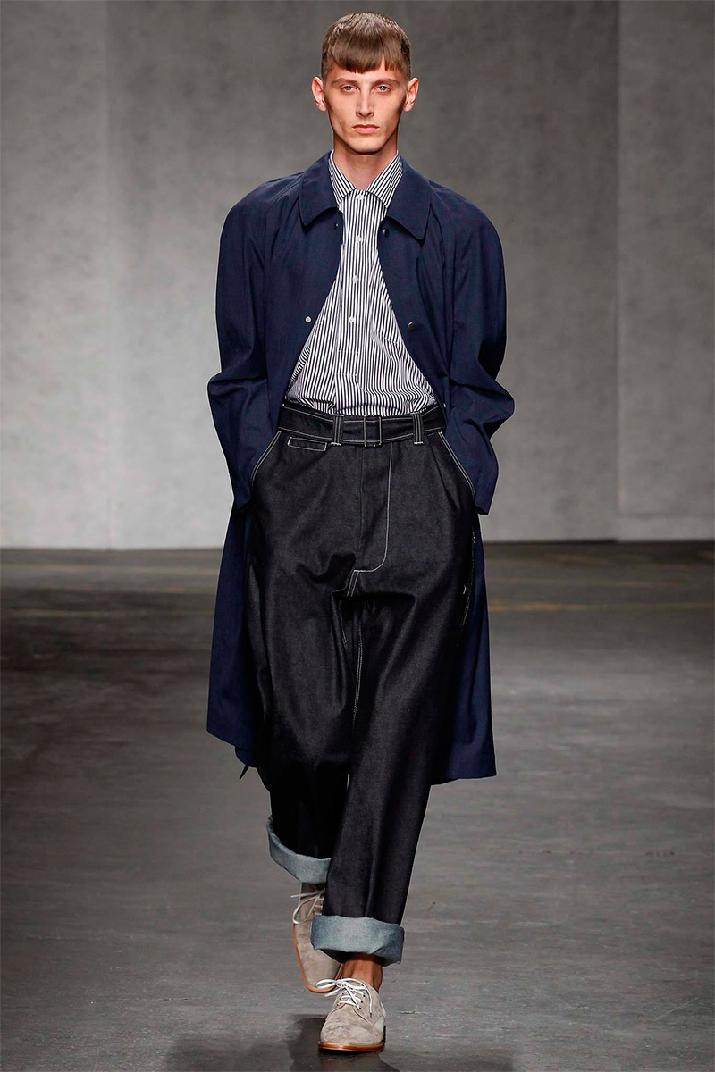 e-tautz-ss15_fy11