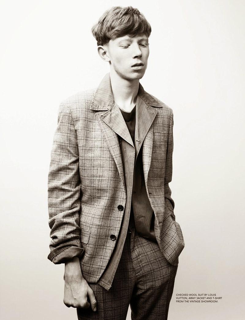 Portrait-in-Black-&-Blue_fy7