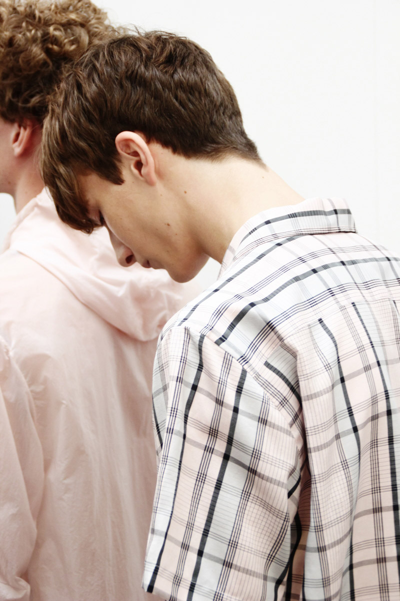 Duckie-Brown-SS15-Backstage_fy25