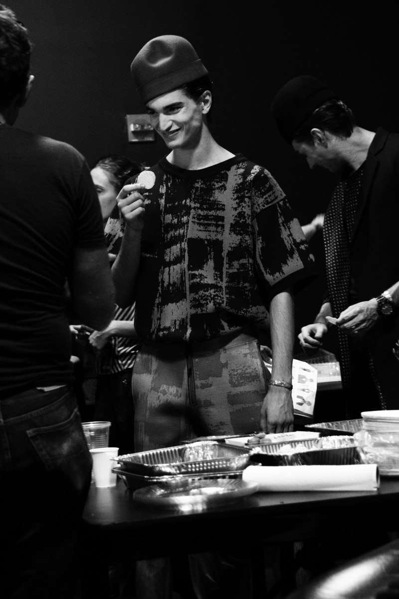 Robert-Geller-SS15-Backstage_fy25