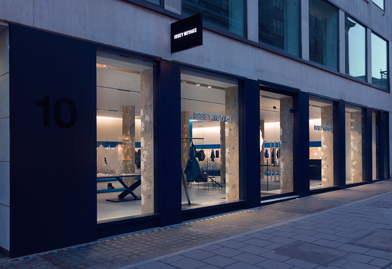 New-ISSEY-MIYAKE-Store-in-London_fy1