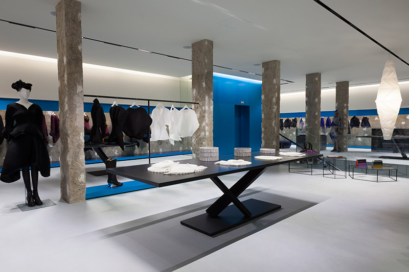 new issey miyake store in london fucking young. Black Bedroom Furniture Sets. Home Design Ideas
