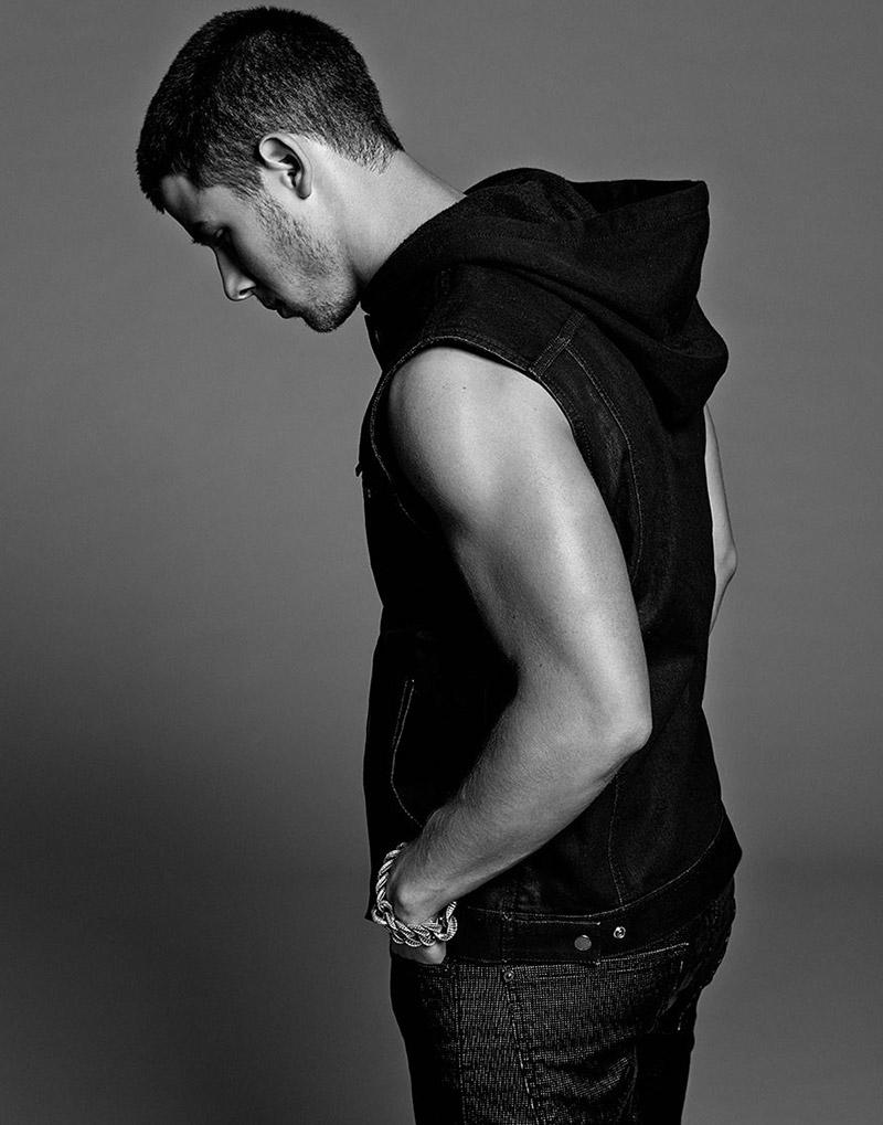 Nick-Jonas-by-Yu-Tsai_fy2