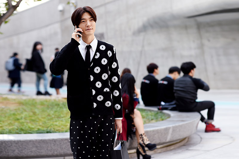 Seoul-Fashion-Week-SS15_streetstyle_1_fy30