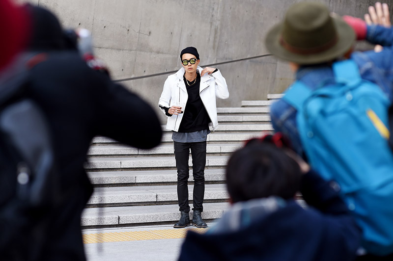 Seoul-Fashion-Week-SS15_streetstyle_1_fy31