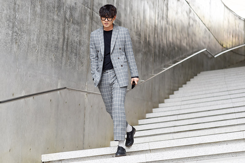 Seoul-Fashion-Week-SS15_streetstyle_1_fy48