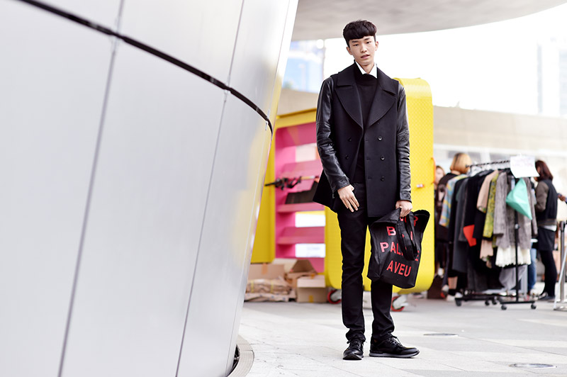 Seoul-Fashion-Week-SS15_streetstyle_1_fy58