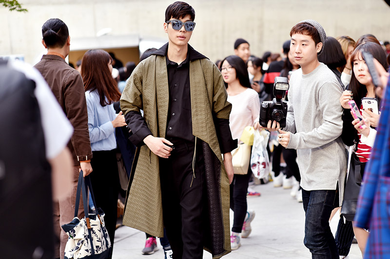 Seoul-Fashion-Week-SS15_streetstyle_1_fy66+