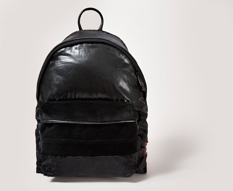 Sybilla-x-Eastpak-for-Designers-Against-Aids_fy2