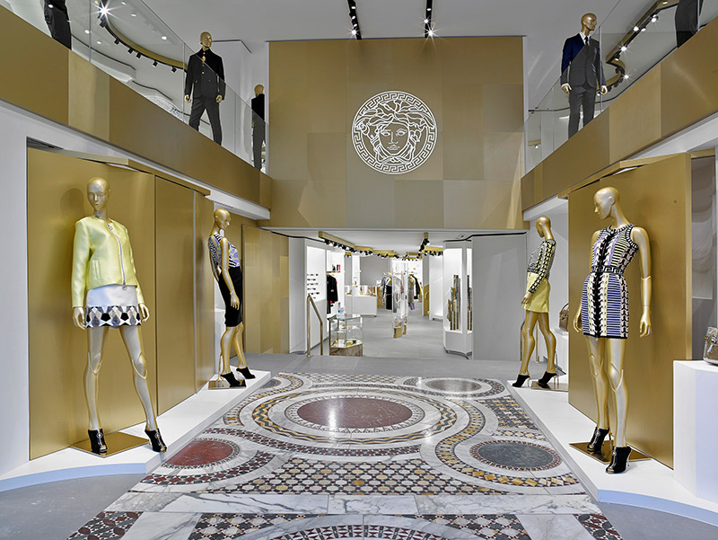 Versace Opens A New Boutique In Barcelona Fucking Young