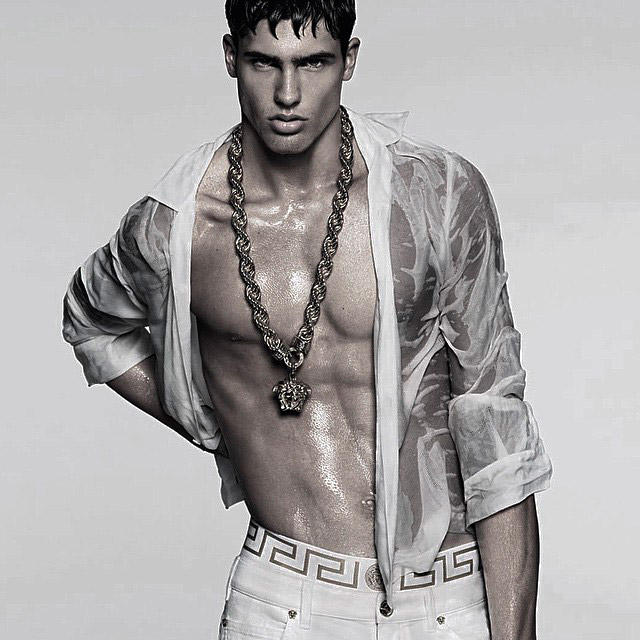 versace_ss15_campaign_preview_fy1