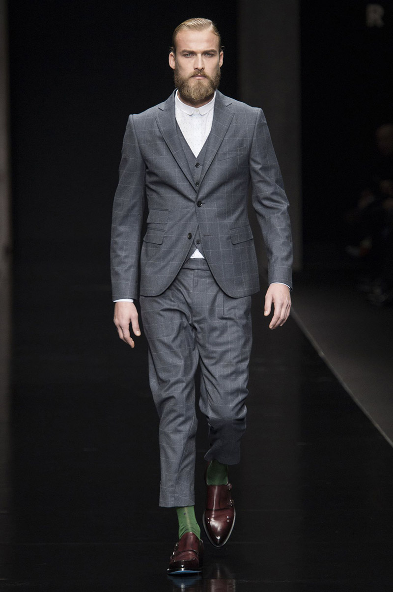 John Richmond SpringSummer 2015 Collection – Milan Fashion Week