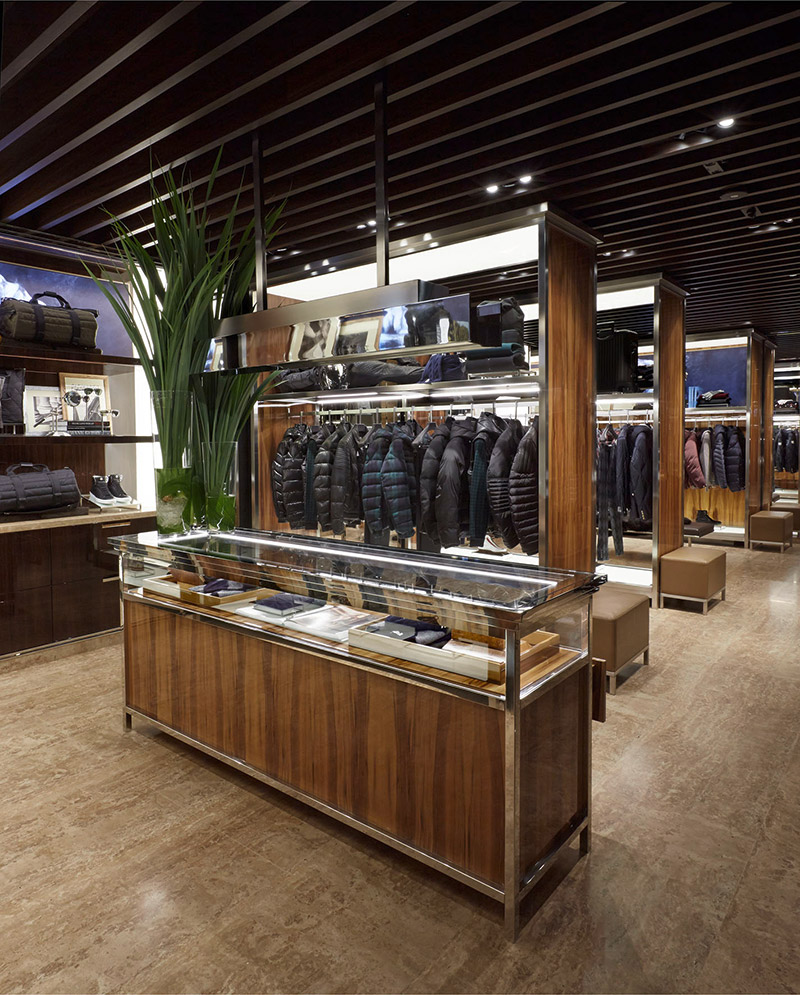 Moncler-Opens-Its-First-Boutique-Dedicated-Entirely-To-Men-In-Paris_fy4