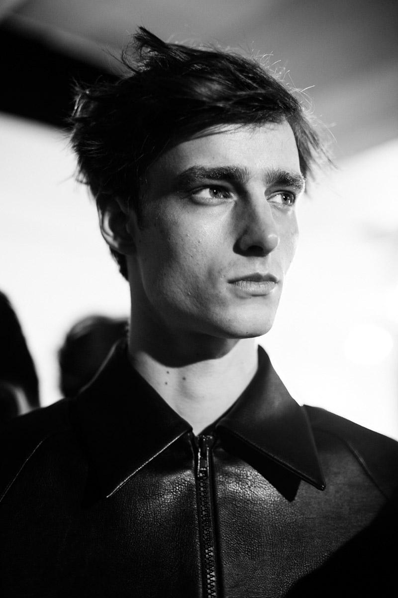 Xander-Zhou-FW15-Backstage_fy25