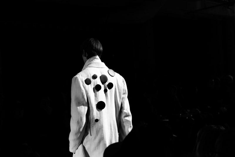 Yohji-Yamamoto_fw15_backstage_fy39