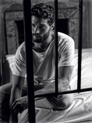 Jamie-Dornan-by-Mark-Seliger_fy4