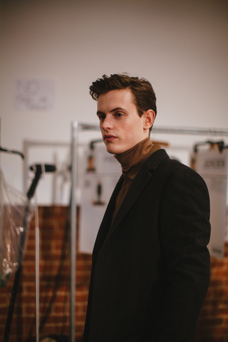 Perry-Ellis-FW15-Backstage_fy4