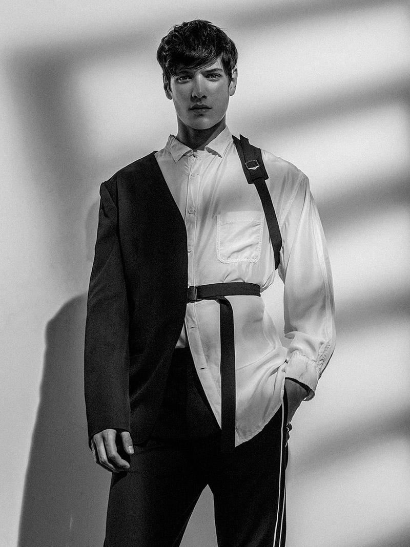 Aaron-Gatward-by-Thomas-Goldblum_fy11