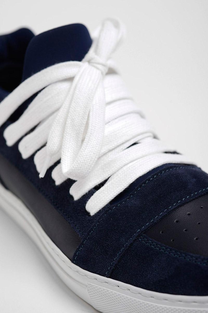 KRISVANASSCHE.-Multilaces-Low-Top-Navy-Sneakers_fy5