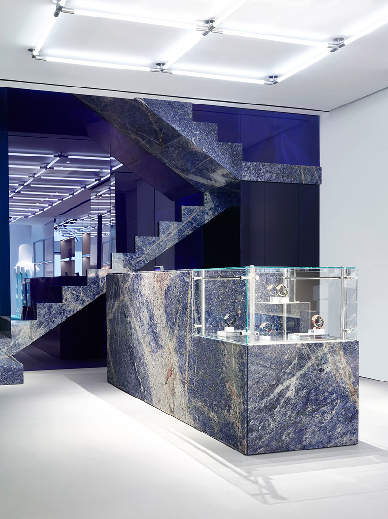 Kenzo-Open-a-New-Store-in-Milan_fy4