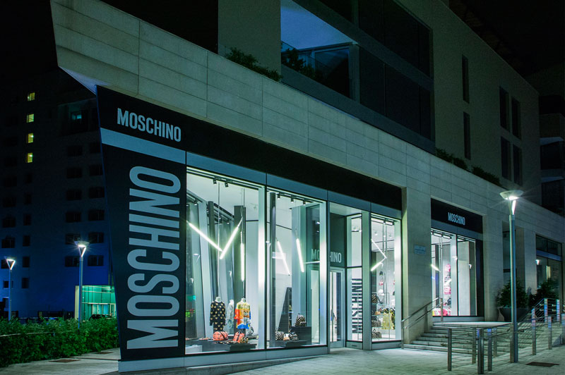 Moschino-Opens-a-New-Store-in-Milan_fy1