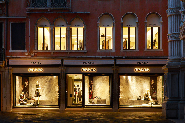 Prada-Reopens-its-Historic-Piazza-San-Moisè-Store-in-Venice_fy1