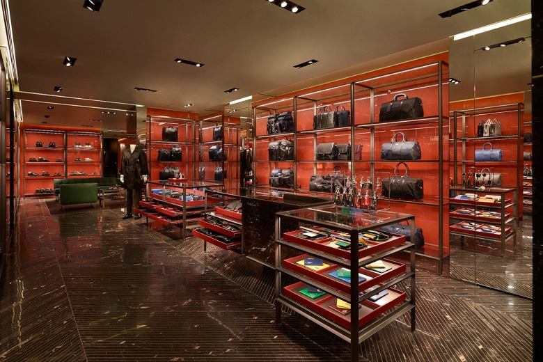 Prada-Reopens-its-Historic-Piazza-San-Moisè-Store-in-Venice_fy3
