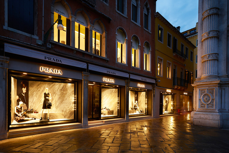 Prada-Reopens-its-Historic-Piazza-San-Moisè-Store-in-Venice_fy4