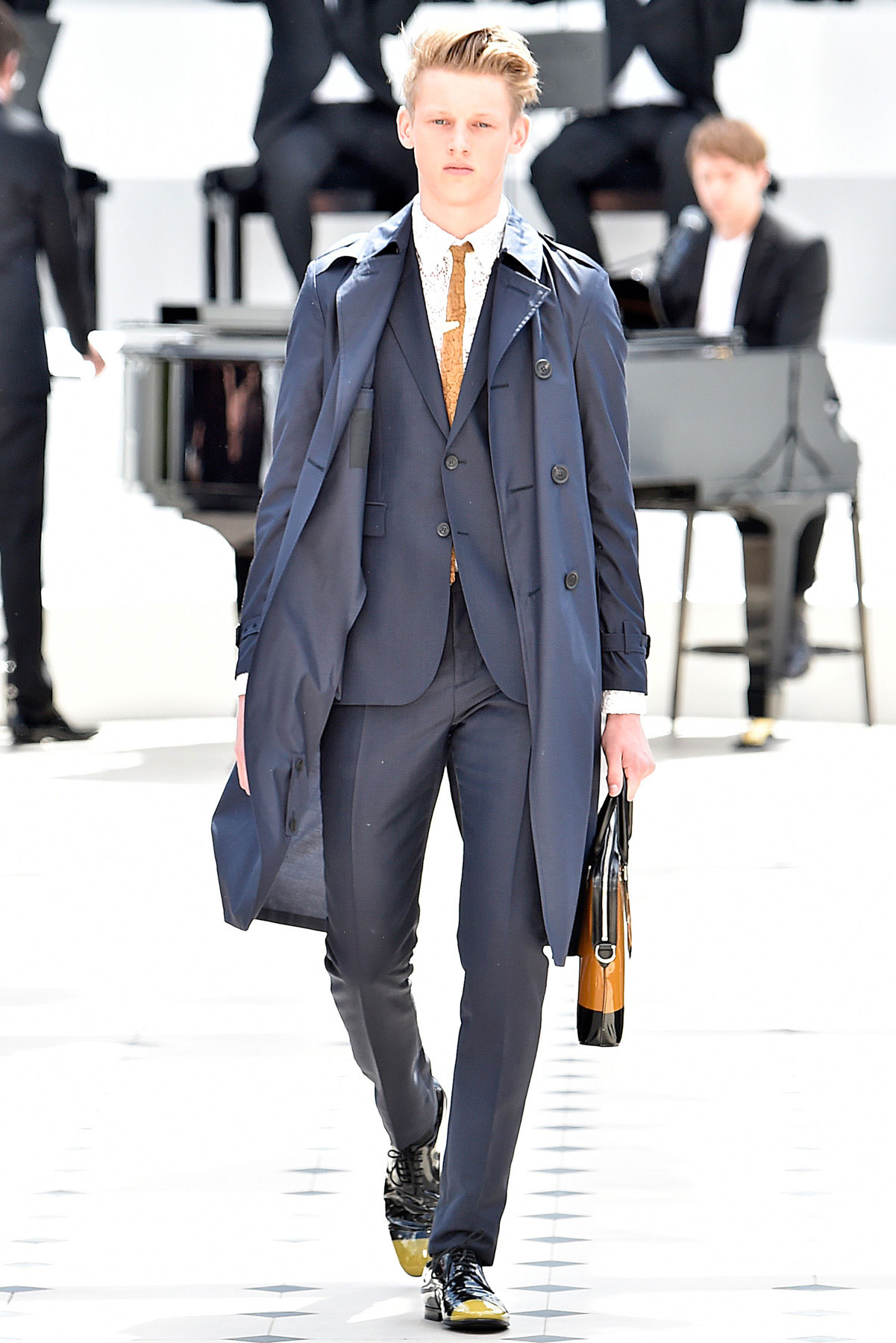 burberry_ss16_lcm_fy1