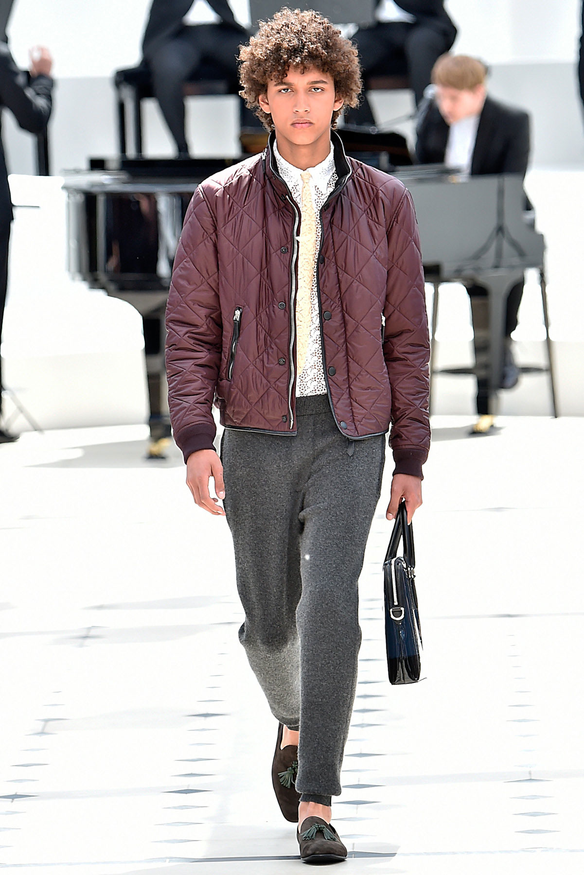 burberry_ss16_lcm_fy14