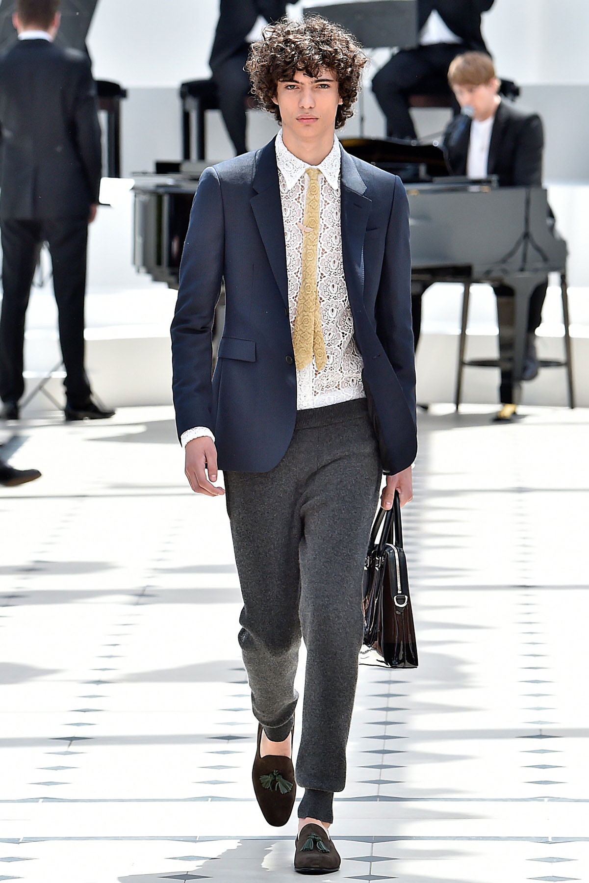 burberry_ss16_lcm_fy2