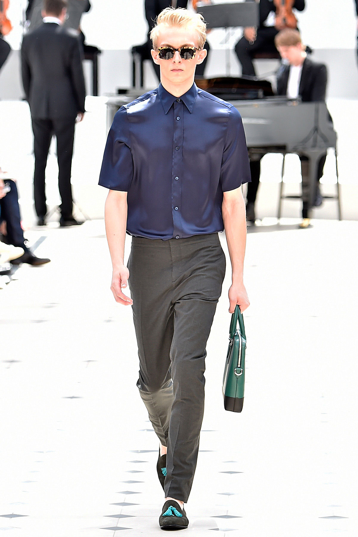 burberry_ss16_lcm_fy20