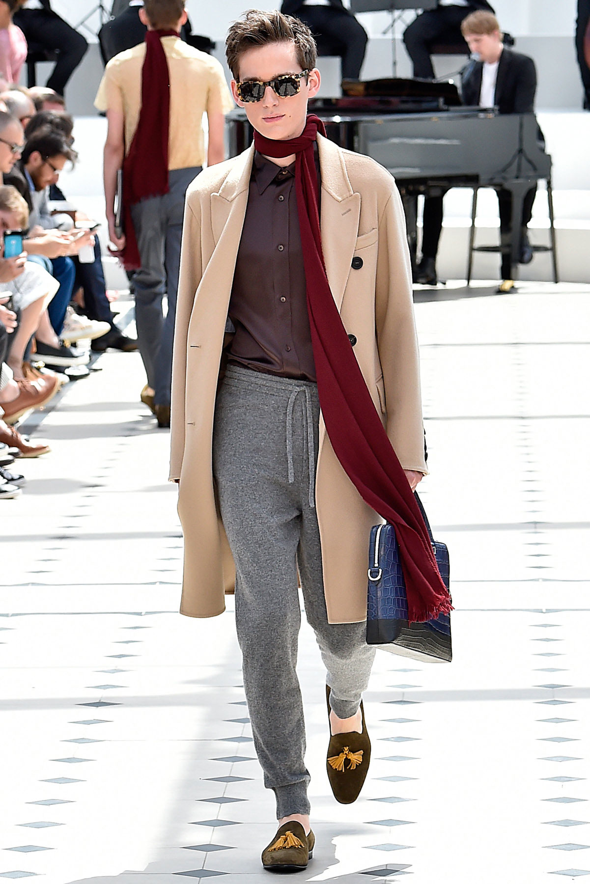 burberry_ss16_lcm_fy33