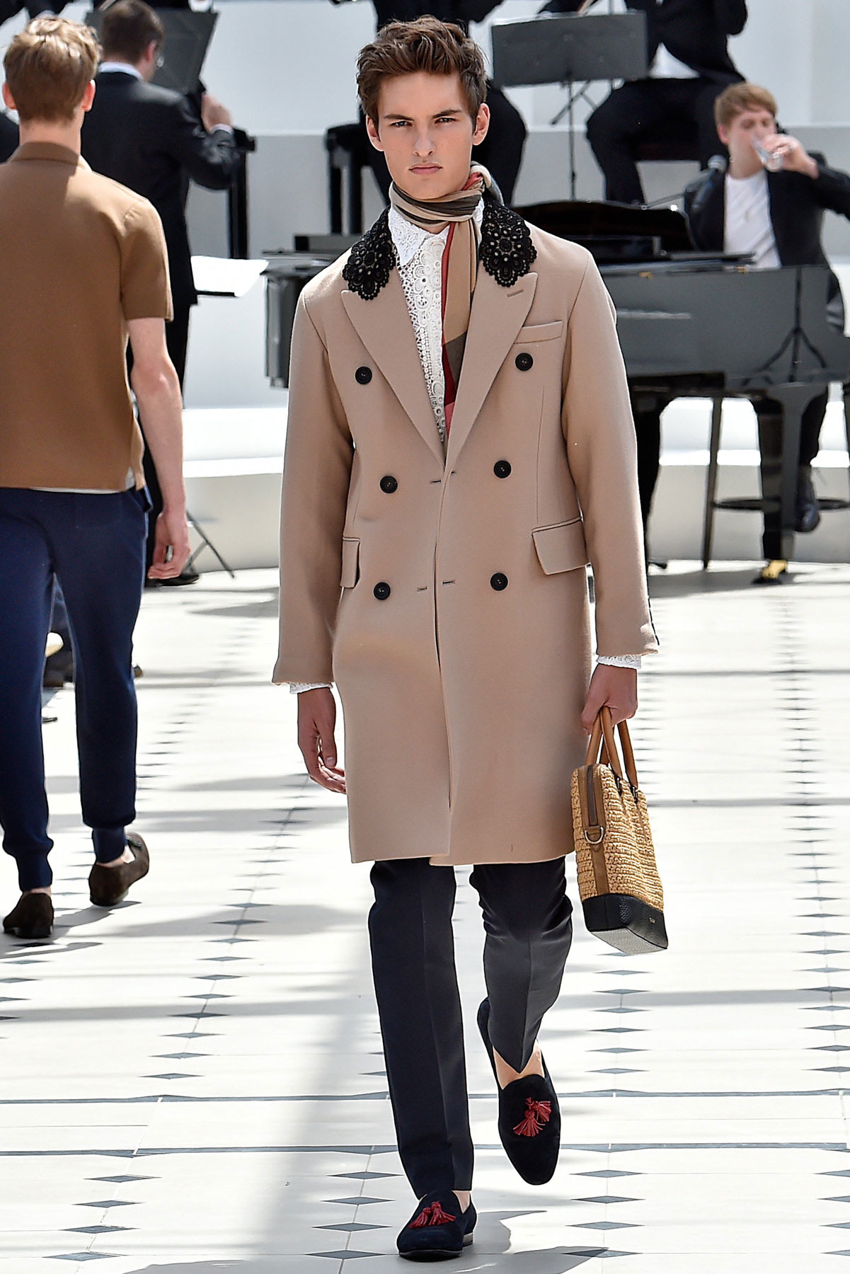 burberry_ss16_lcm_fy36