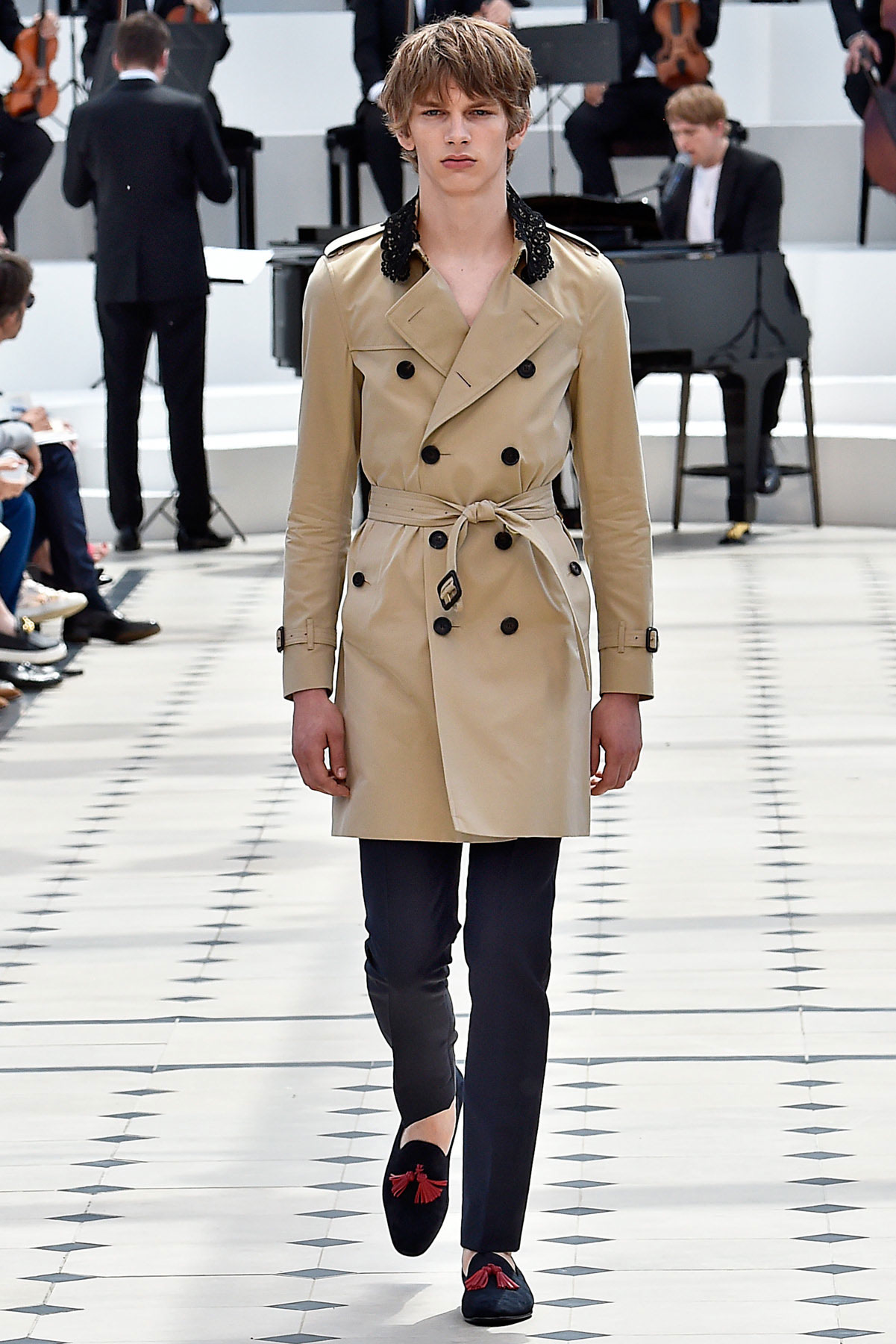 burberry_ss16_lcm_fy38