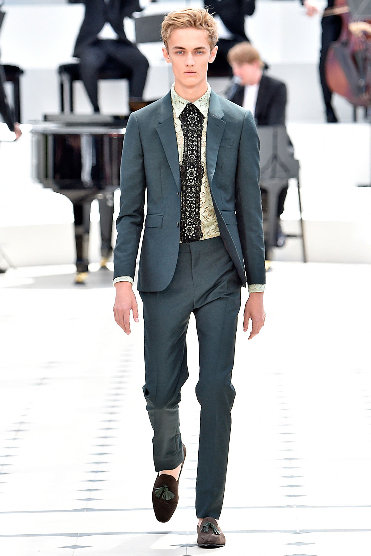 burberry_ss16_lcm_fy41