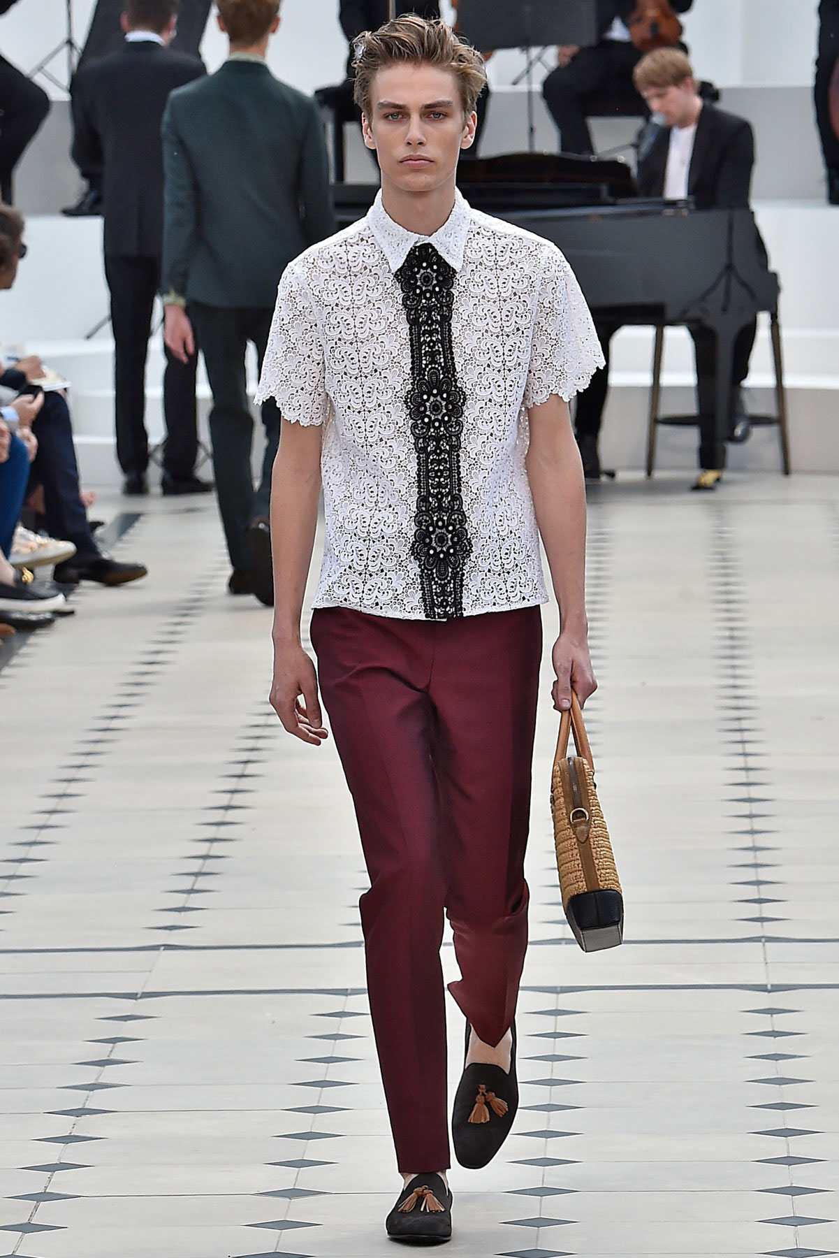 burberry_ss16_lcm_fy43
