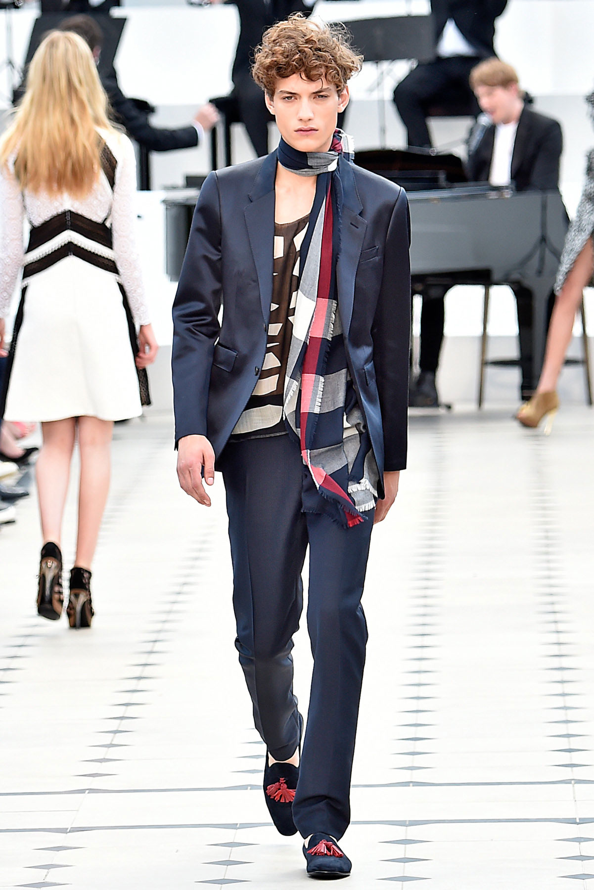 burberry_ss16_lcm_fy46