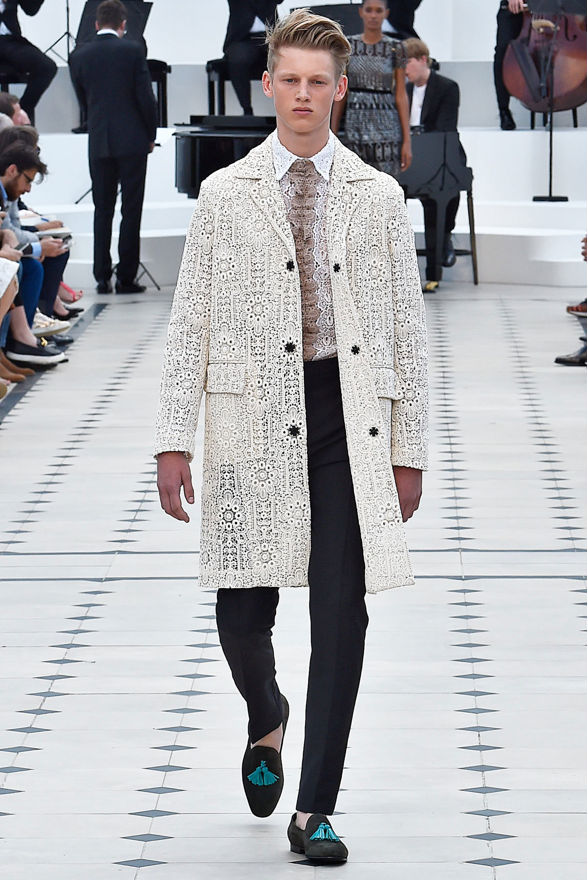 burberry_ss16_lcm_fy51