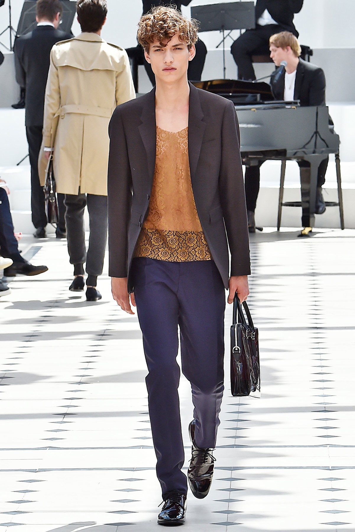burberry_ss16_lcm_fy6