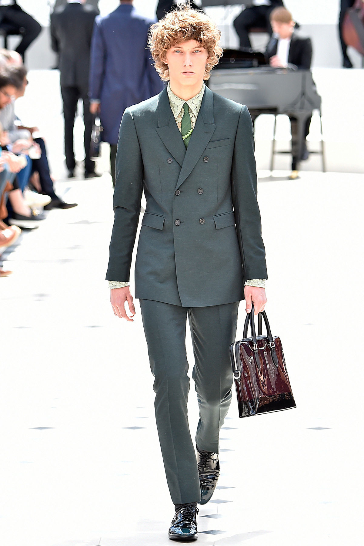 burberry_ss16_lcm_fy9