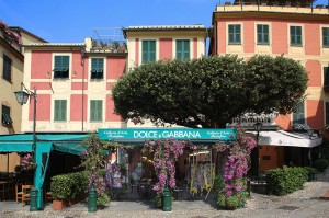 Dolce&Gabbana-opens-Pop-up-boutique-in-Portofino_fy1