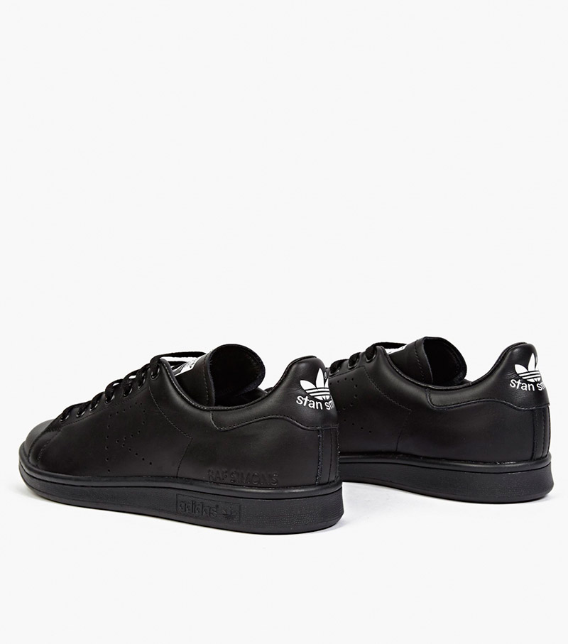 ADIDAS-BY-RAF-SIMONS.-Black-Stan-Smith-Sneakers_fy3