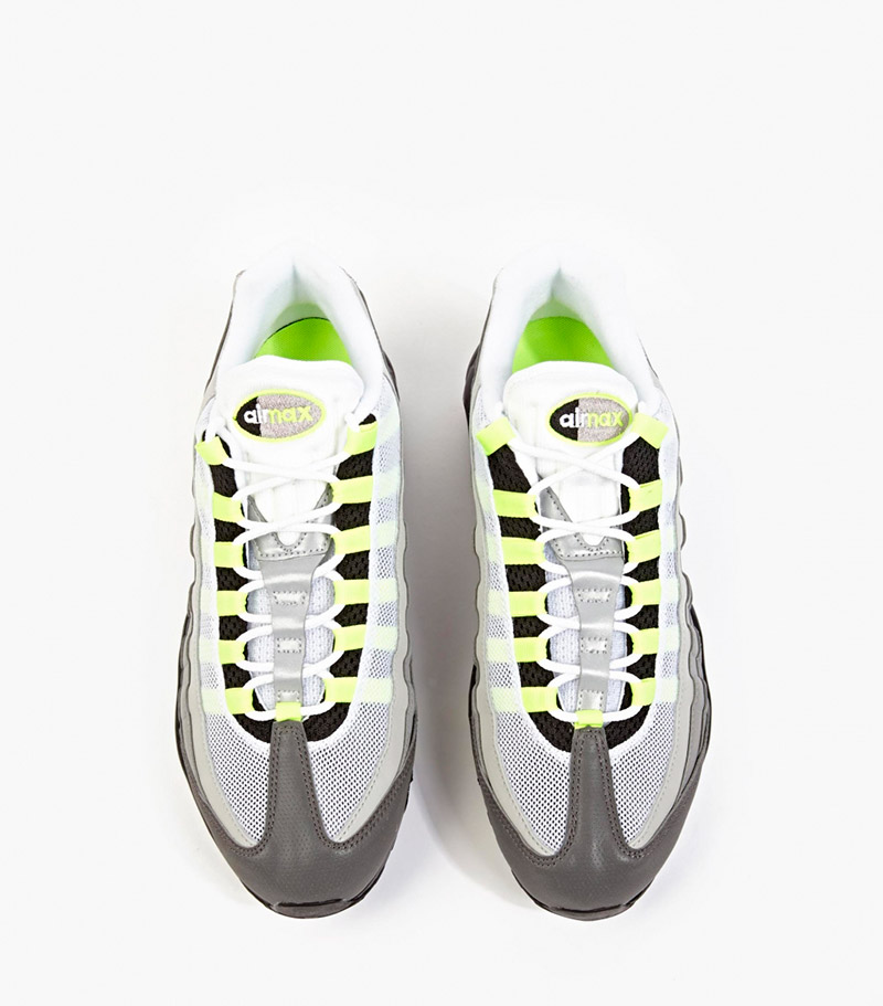 NIKE.-Reflective-Air-Max-95-OG-Premium-Sneakers4