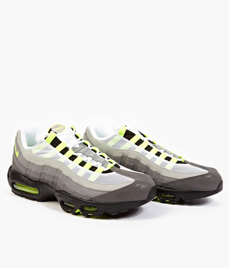 NIKE.-Reflective-Air-Max-95-OG-Premium-Sneakers_fy1