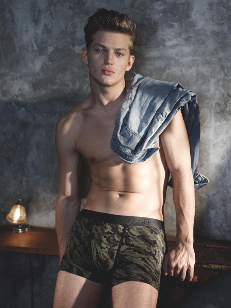 Replay-Underwear-FW15-Lookbook_fy1